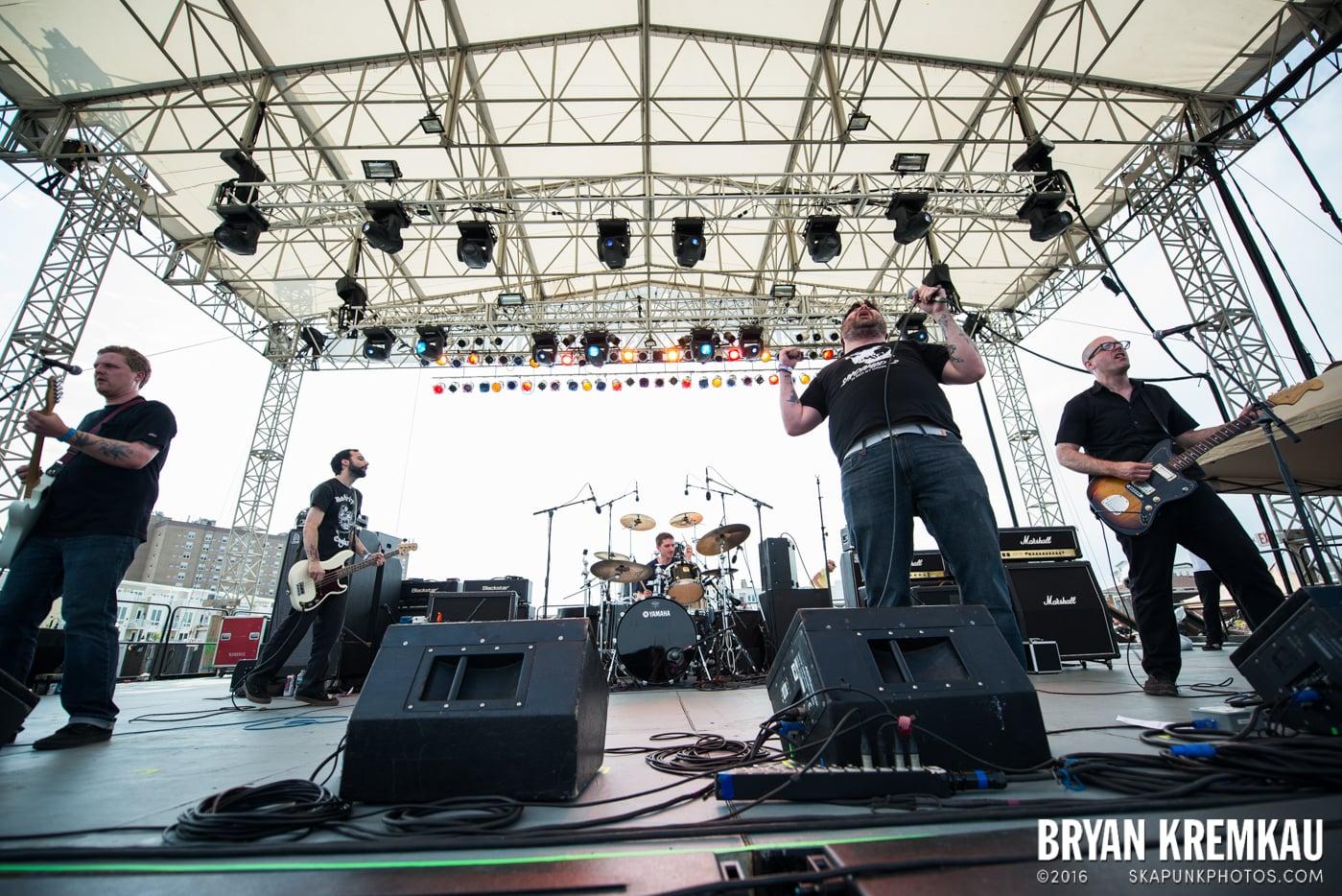 Iron Chic @ Punk Rock Bowling, Stone Pony Summerstage, Asbury Park, NJ - 6.11.16 (1)