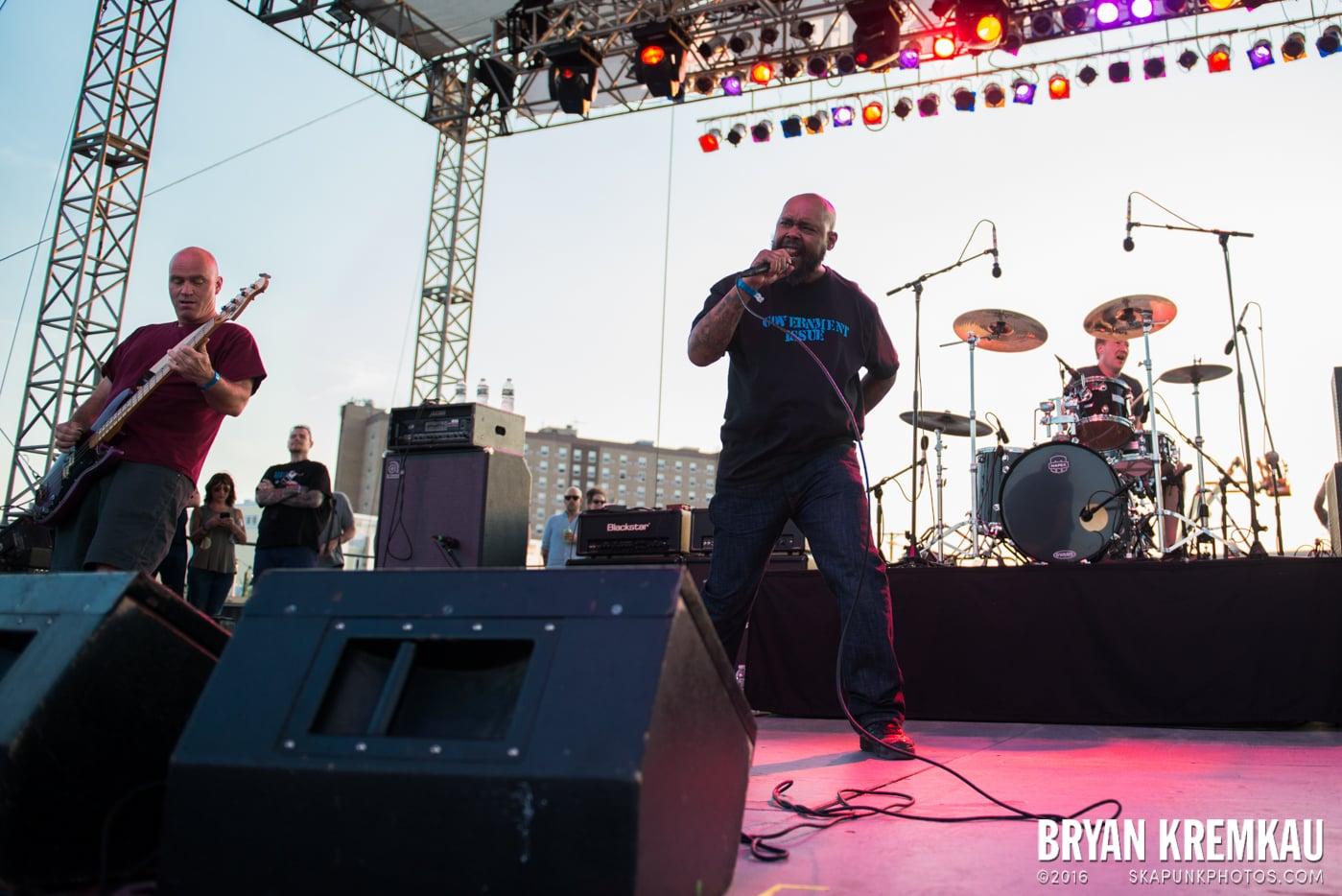 Dag Nasty @ Punk Rock Bowling, Stone Pony Summerstage, Asbury Park, NJ - 6.11.16 (20)