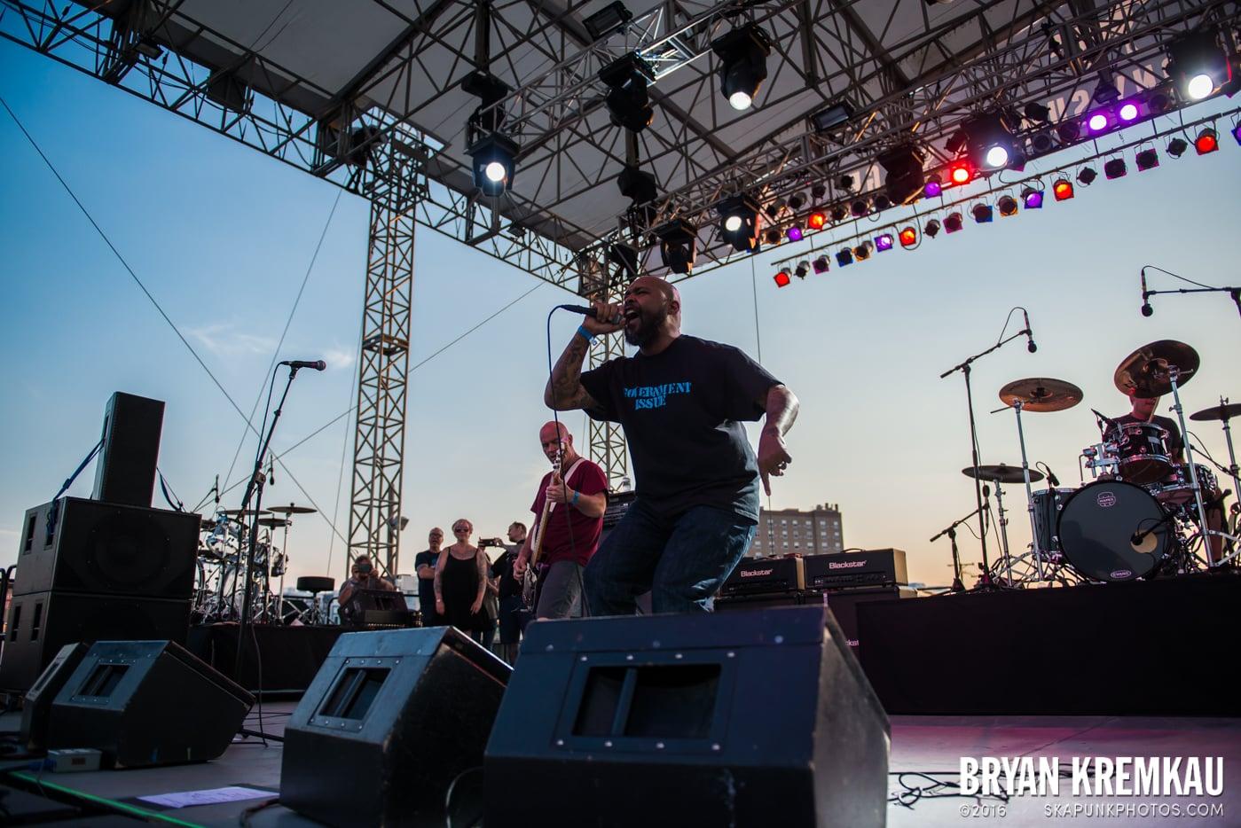 Dag Nasty @ Punk Rock Bowling, Stone Pony Summerstage, Asbury Park, NJ - 6.11.16 (15)
