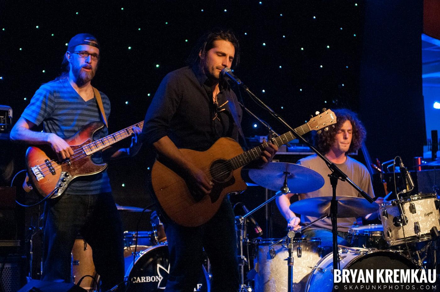Adam Ezra Group @ Mexicali Live, Teaneck NJ - 4-21-11 (7)