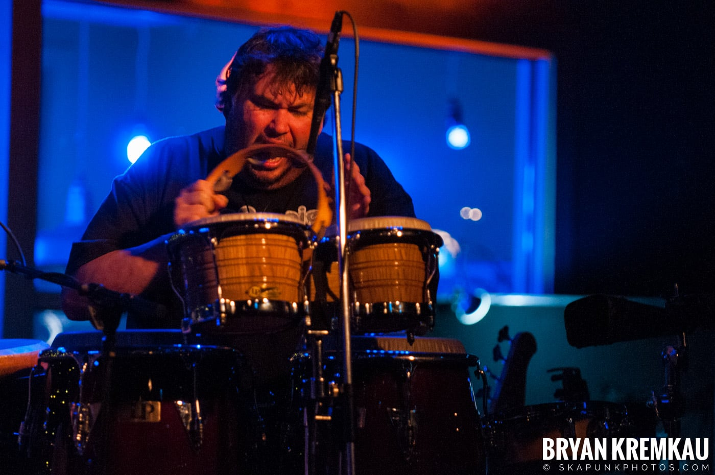 Adam Ezra Group @ Mexicali Live, Teaneck NJ - 4-21-11 (5)