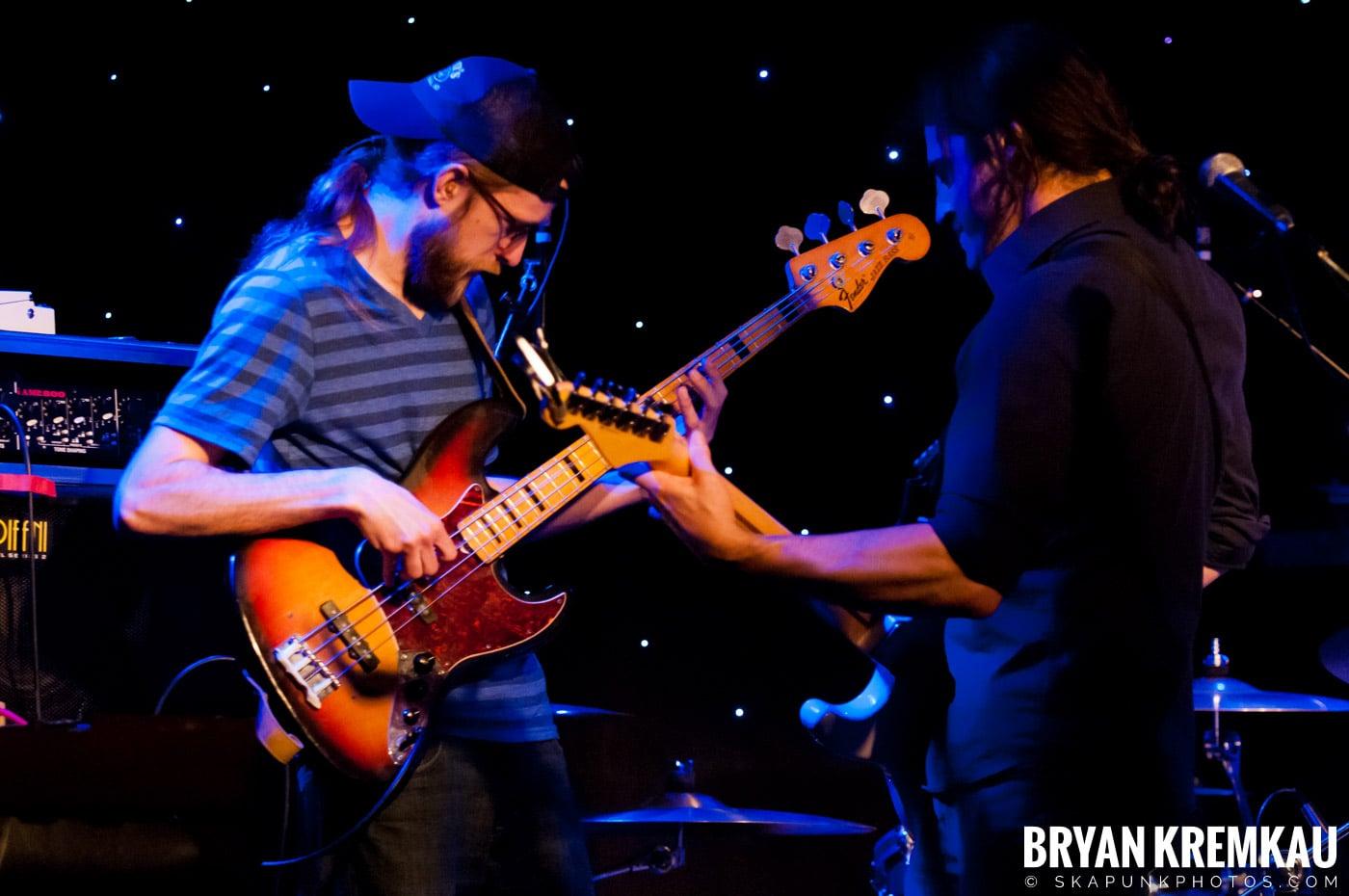 Adam Ezra Group @ Mexicali Live, Teaneck NJ - 4-21-11 (3)