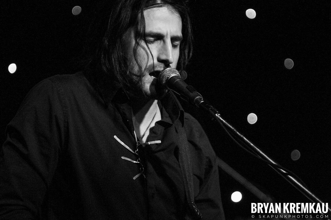 Adam Ezra Group @ Mexicali Live, Teaneck NJ - 4-21-11 (2)