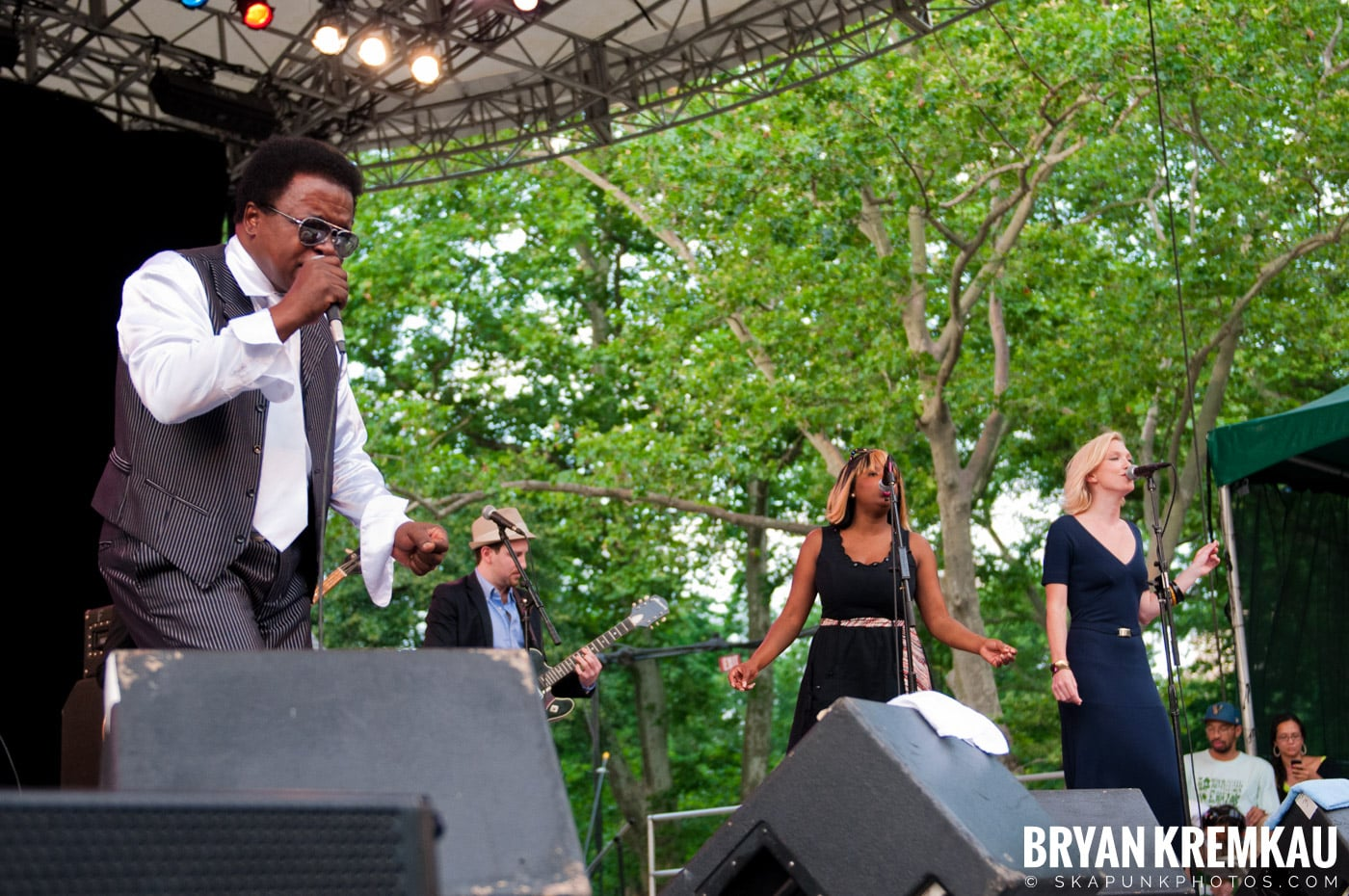 Lee Fields & The Expressions @ Central Park SummerStage, NYC - 6.24.11 (16)