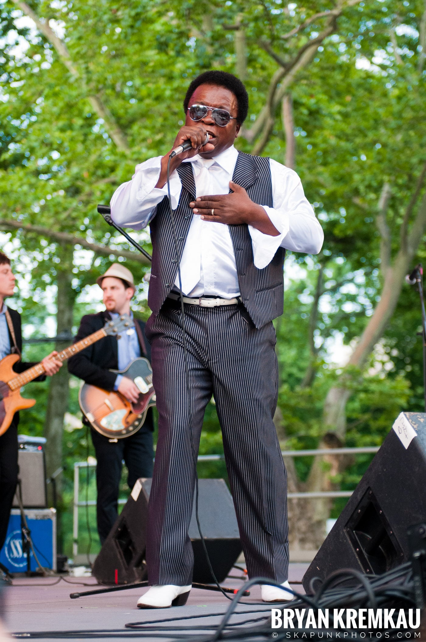 Lee Fields & The Expressions @ Central Park SummerStage, NYC - 6.24.11 (9)