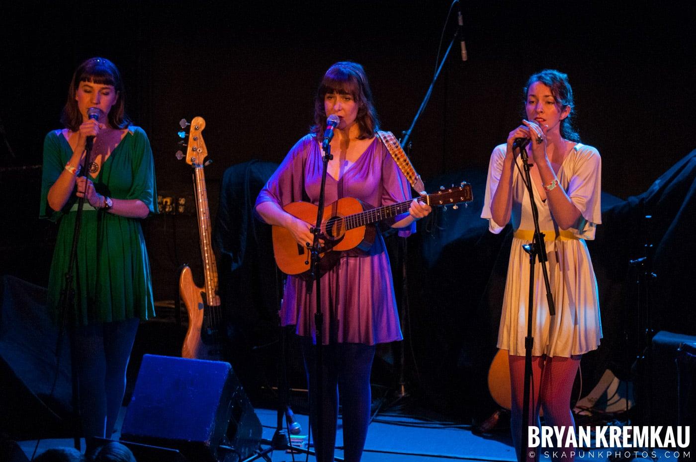 Living Sisters @ Bowery Ballroom, NYC - 3.29.10 (9)