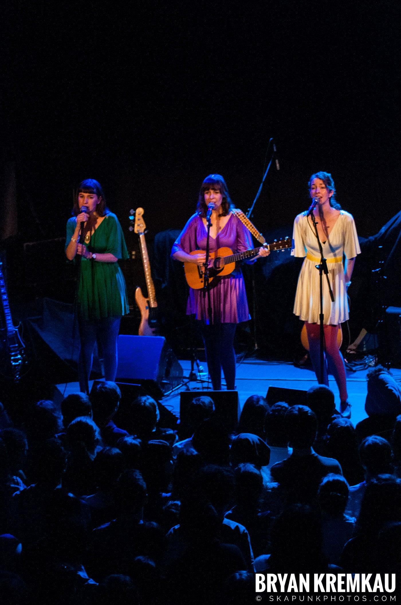 Living Sisters @ Bowery Ballroom, NYC - 3.29.10 (7)
