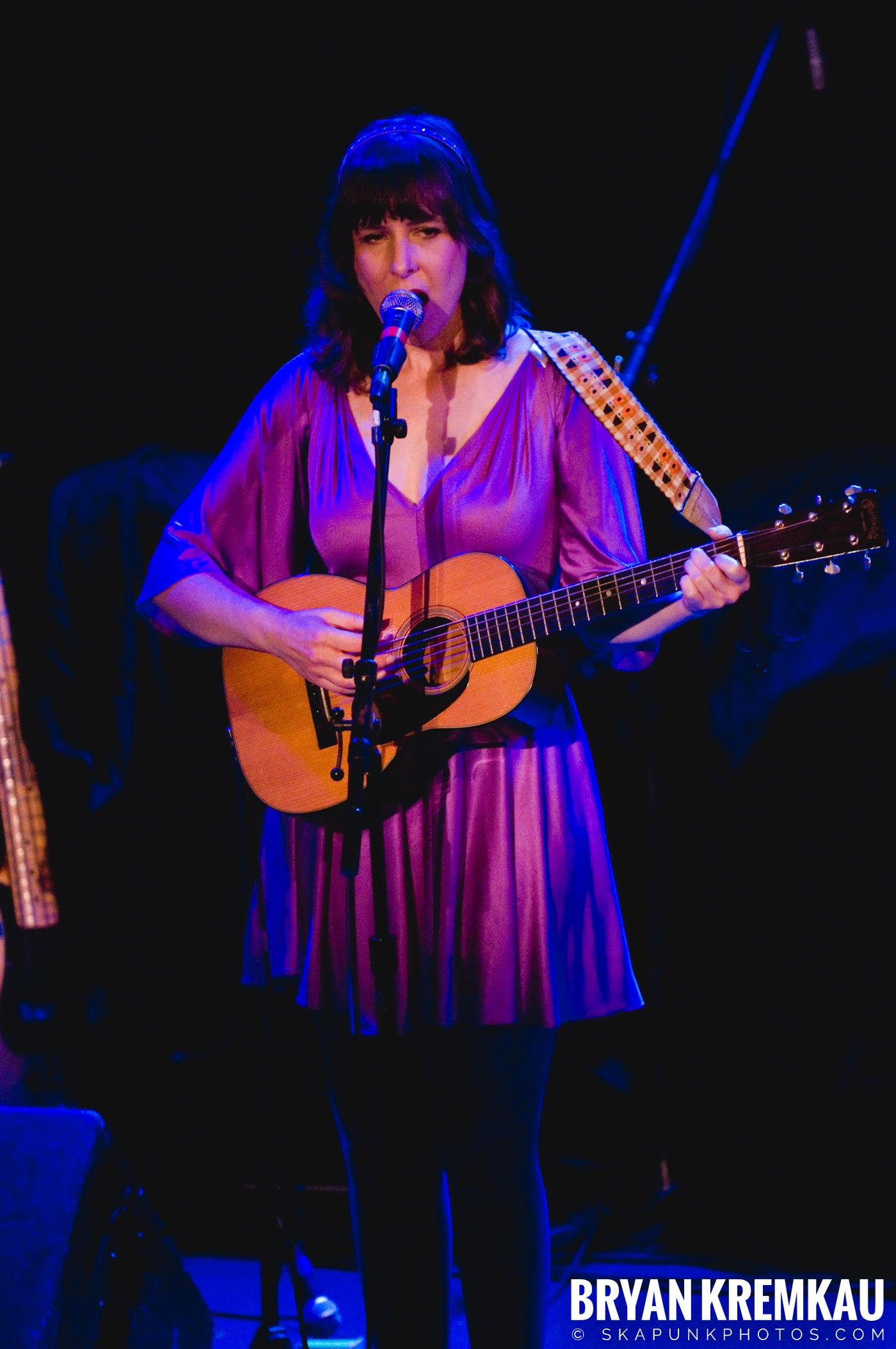 Living Sisters @ Bowery Ballroom, NYC - 3.29.10 (6)