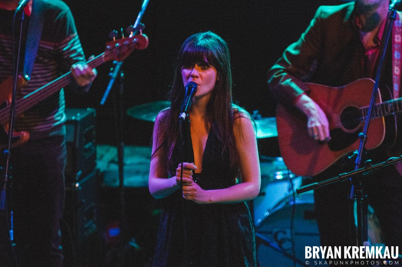 She & Him @ Bowery Ballroom, NYC - 3.29.10 (22)