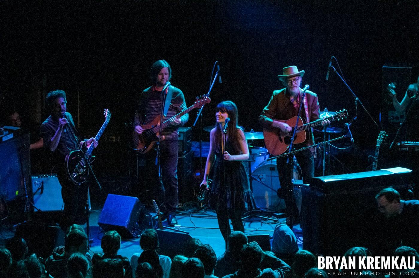 She & Him @ Bowery Ballroom, NYC - 3.29.10 (20)
