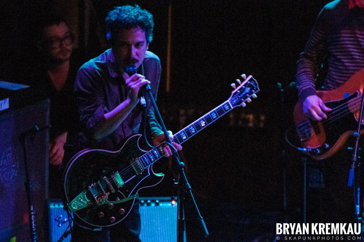 She & Him @ Bowery Ballroom, NYC - 3.29.10 (19)