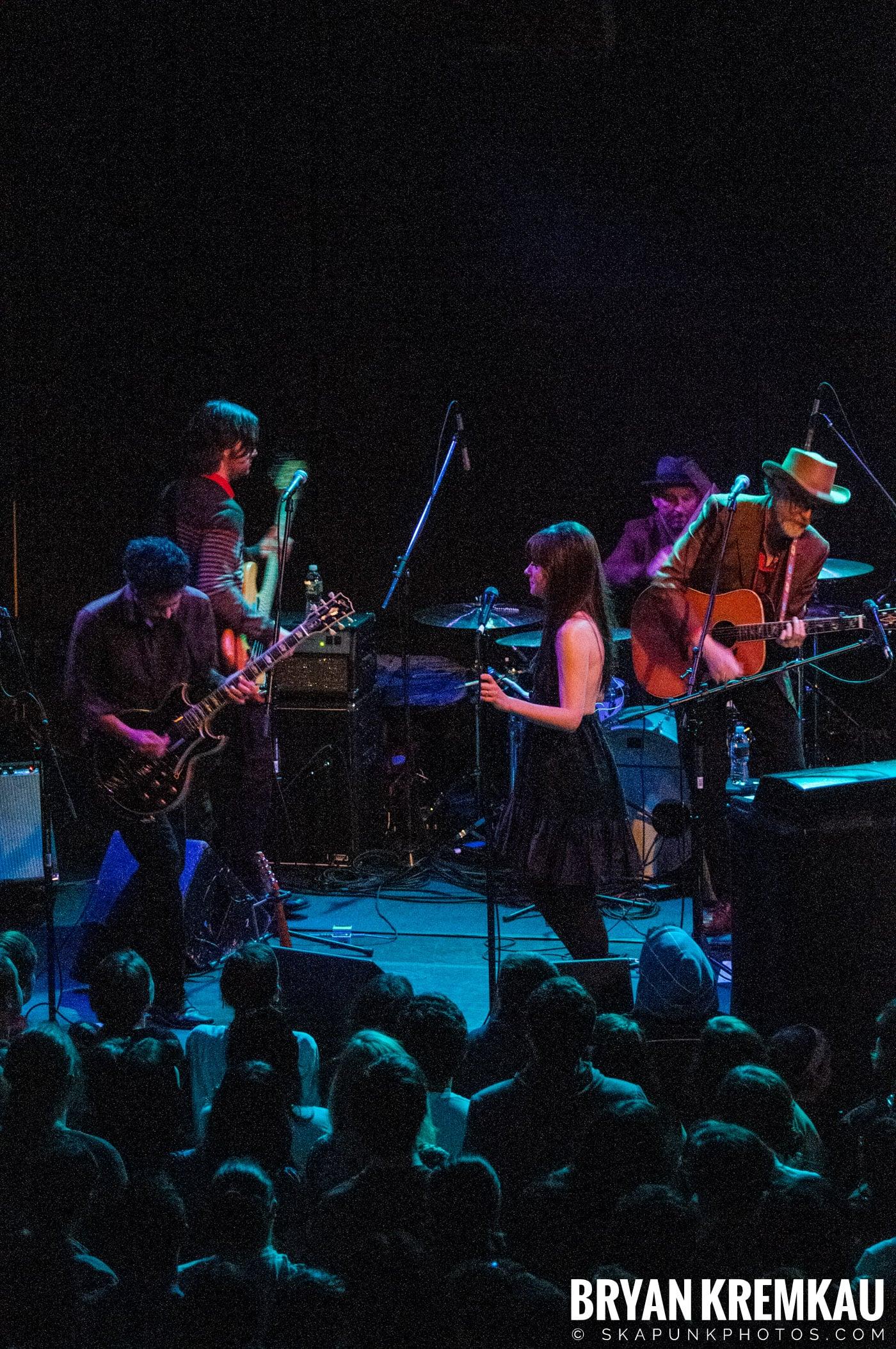 She & Him @ Bowery Ballroom, NYC - 3.29.10 (16)