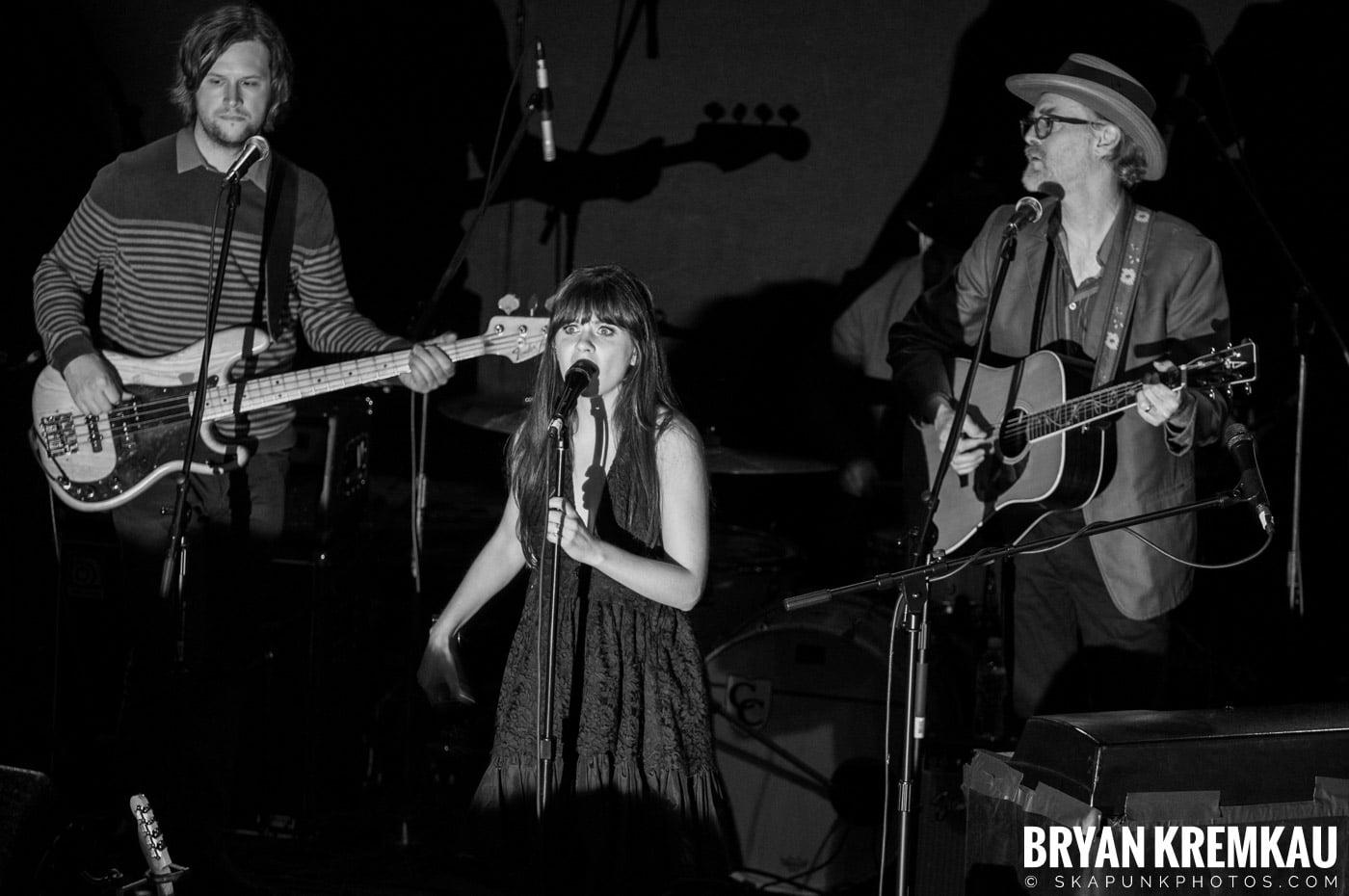She & Him @ Bowery Ballroom, NYC - 3.29.10 (13)