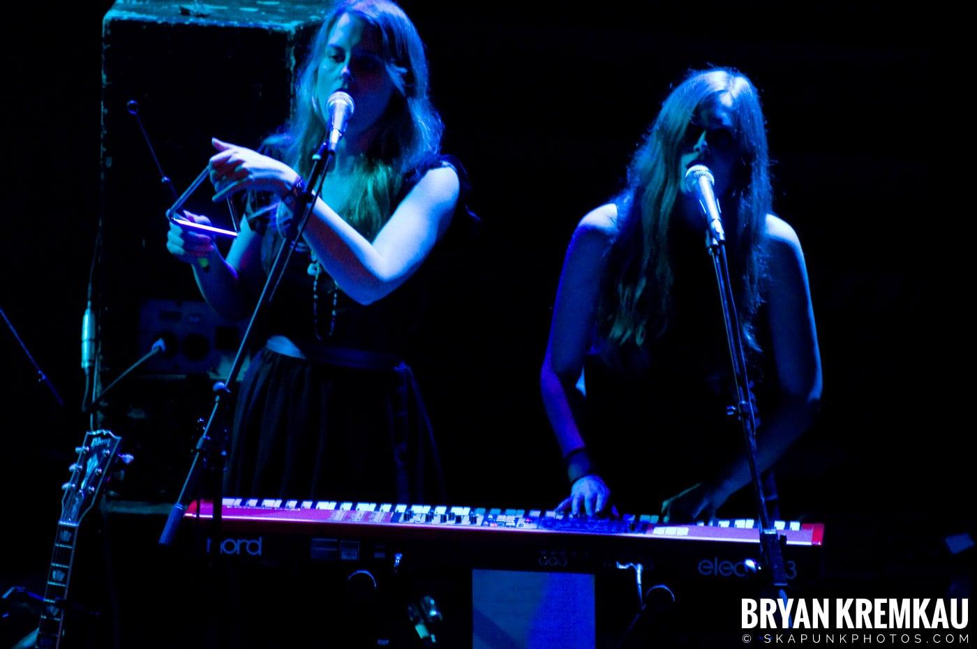 She & Him @ Bowery Ballroom, NYC - 3.29.10 (9)
