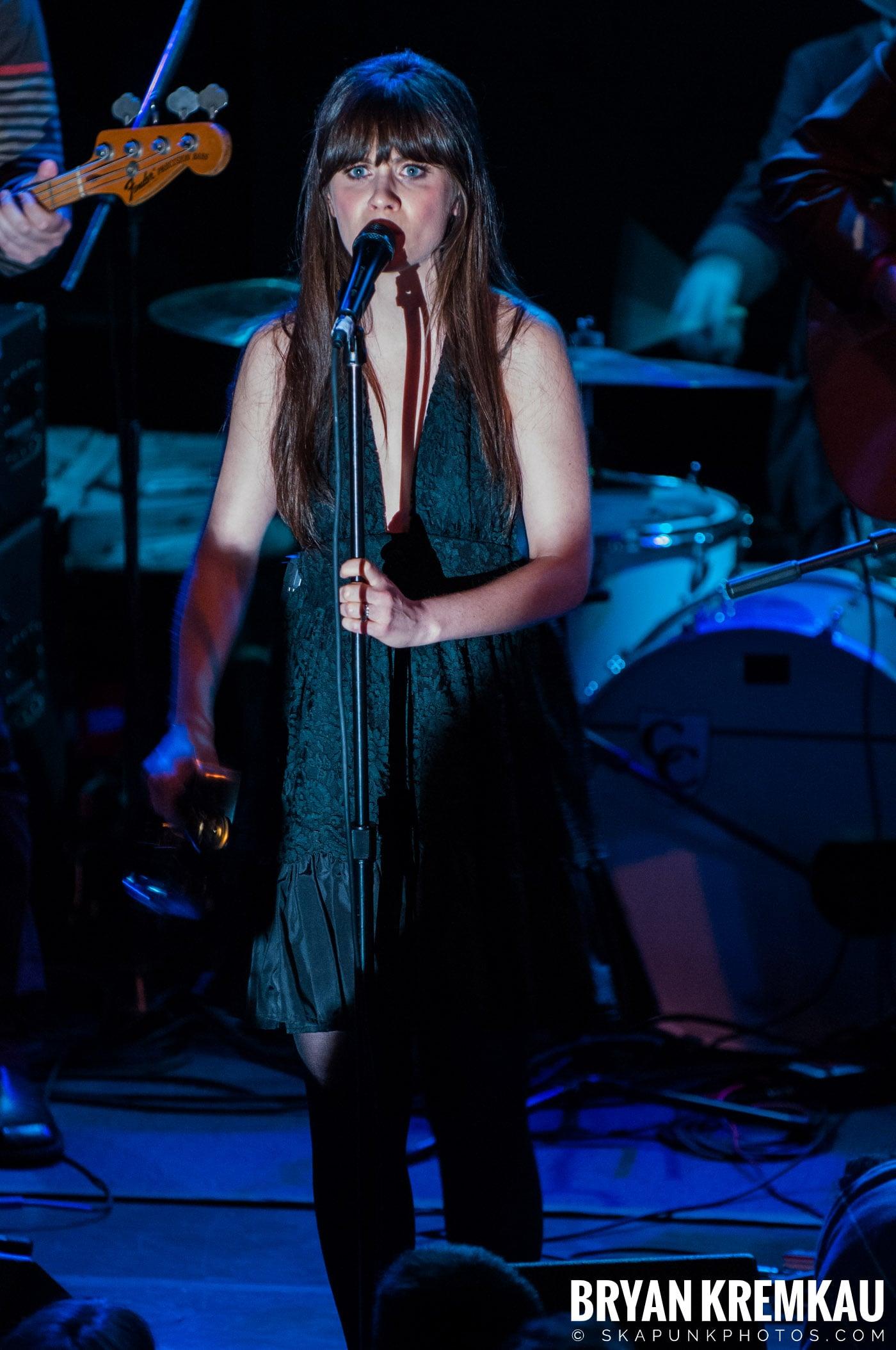 She & Him @ Bowery Ballroom, NYC - 3.29.10 (7)