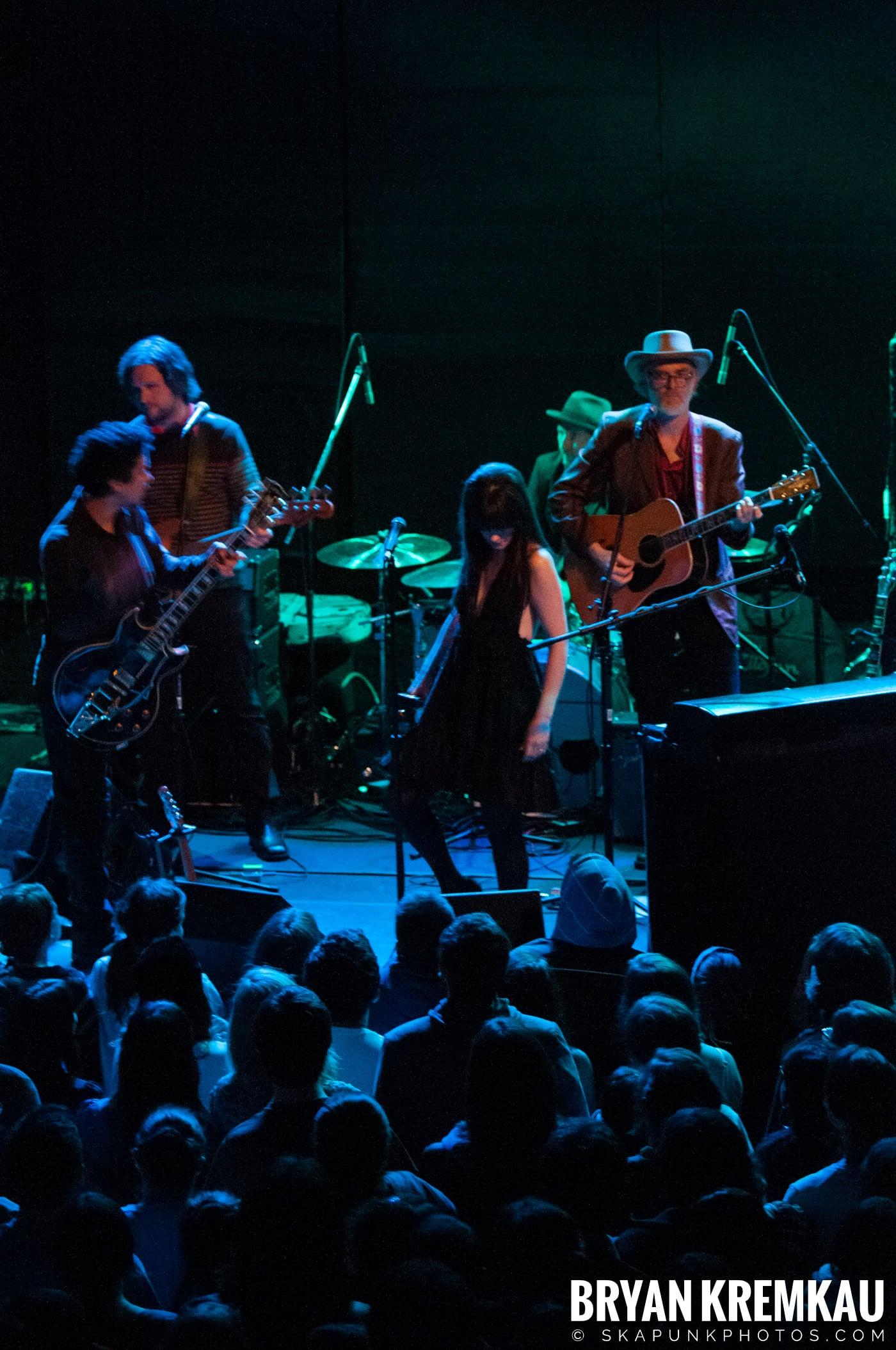 She & Him @ Bowery Ballroom, NYC - 3.29.10 (6)