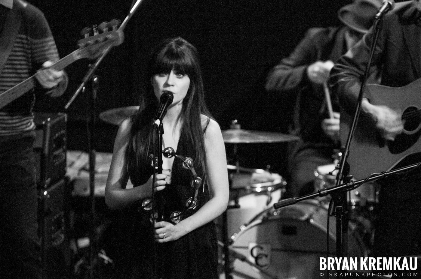 She & Him @ Bowery Ballroom, NYC - 3.29.10 (5)