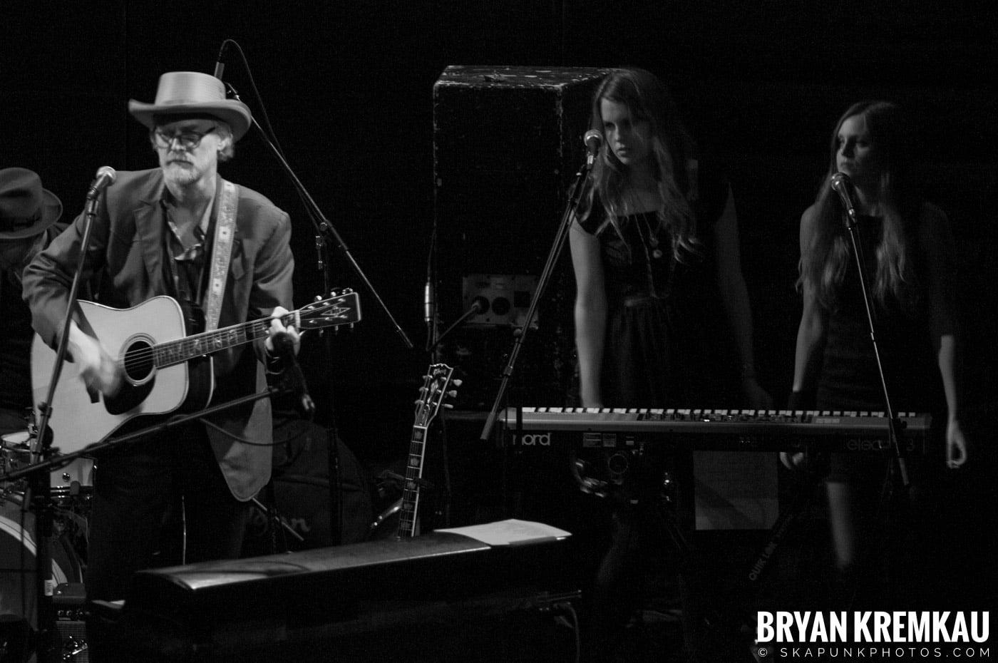 She & Him @ Bowery Ballroom, NYC - 3.29.10 (4)