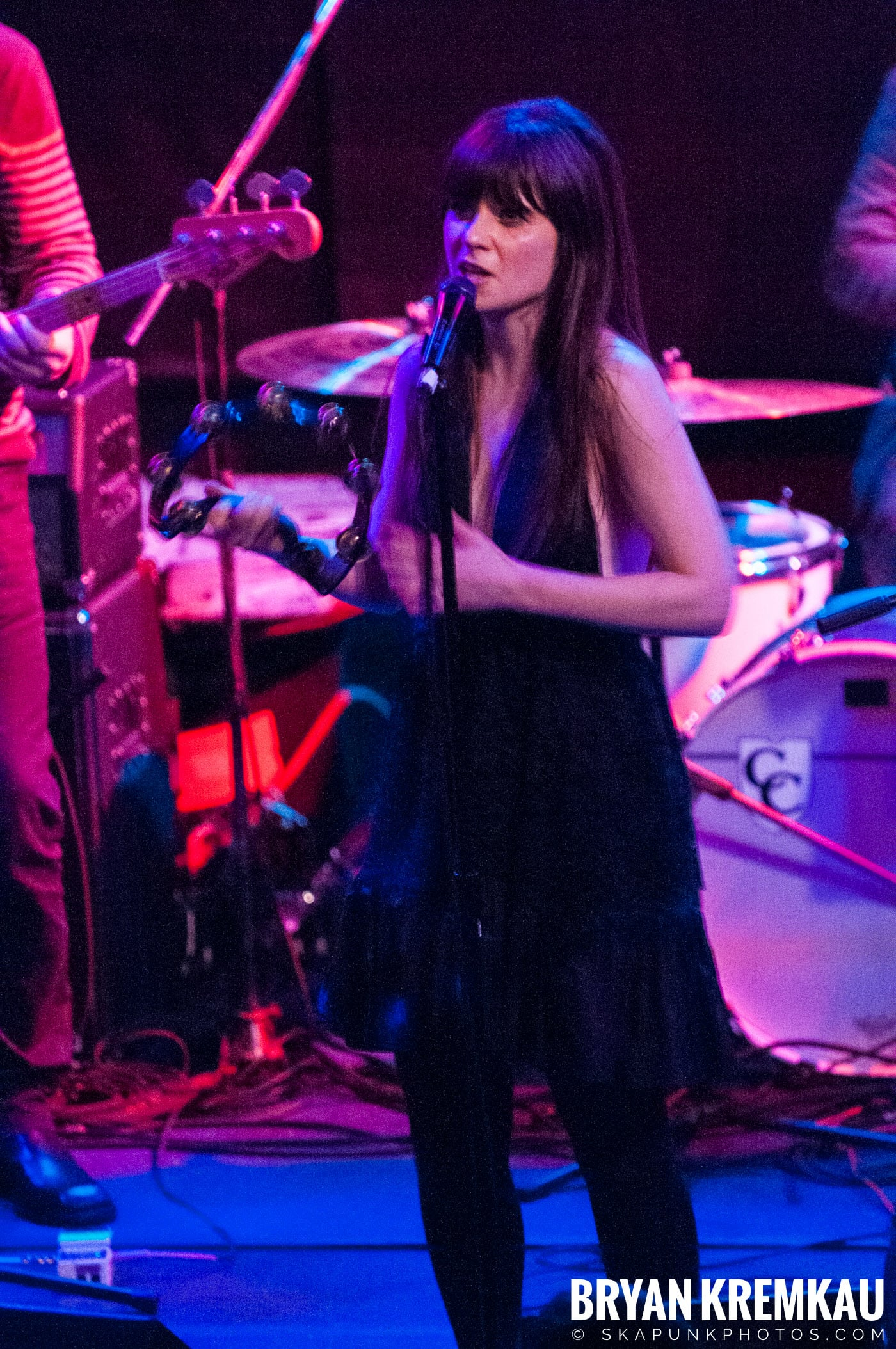 She & Him @ Bowery Ballroom, NYC - 3.29.10 (2)