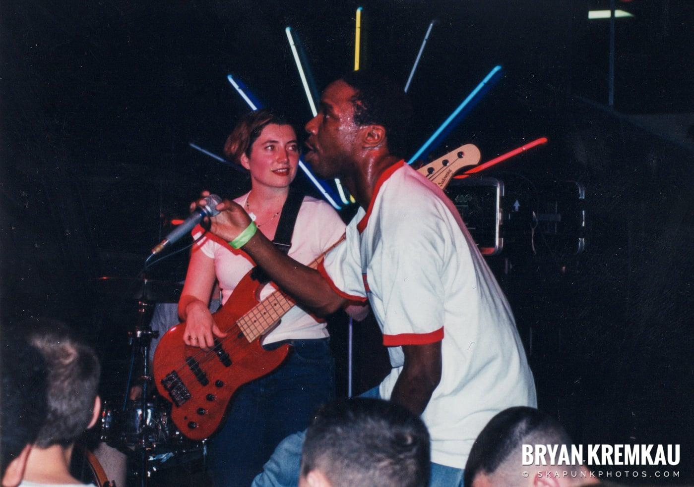 Pilfers @ Skater's World, Wayne, NJ - 1999 (16)