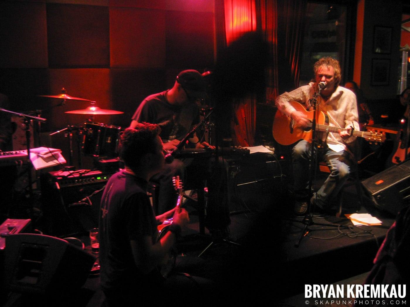 Mark Chadwick @ Red Lion, NYC - 1.22.06 (16)