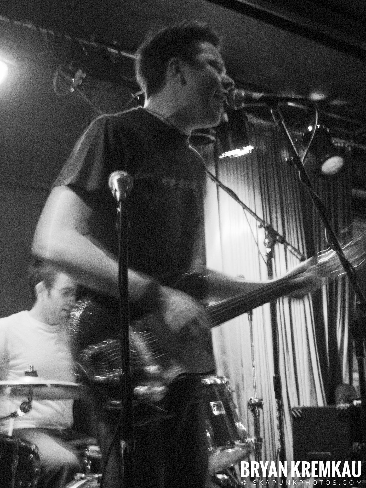 Mark Chadwick @ Red Lion, NYC - 1.22.06 (10)