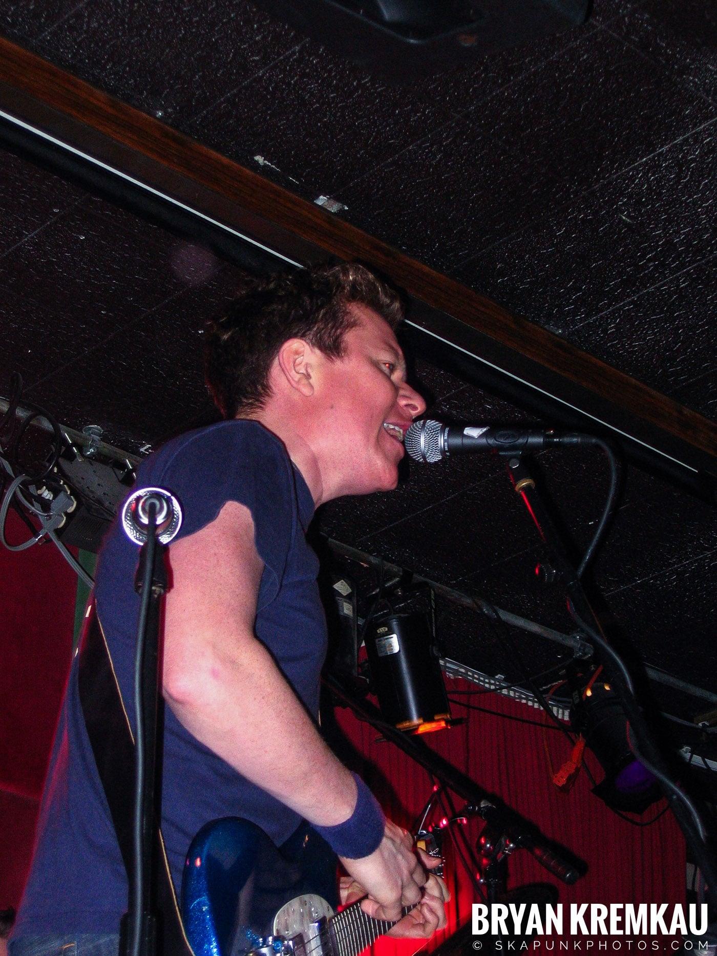 Mark Chadwick @ Red Lion, NYC - 1.22.06 (5)