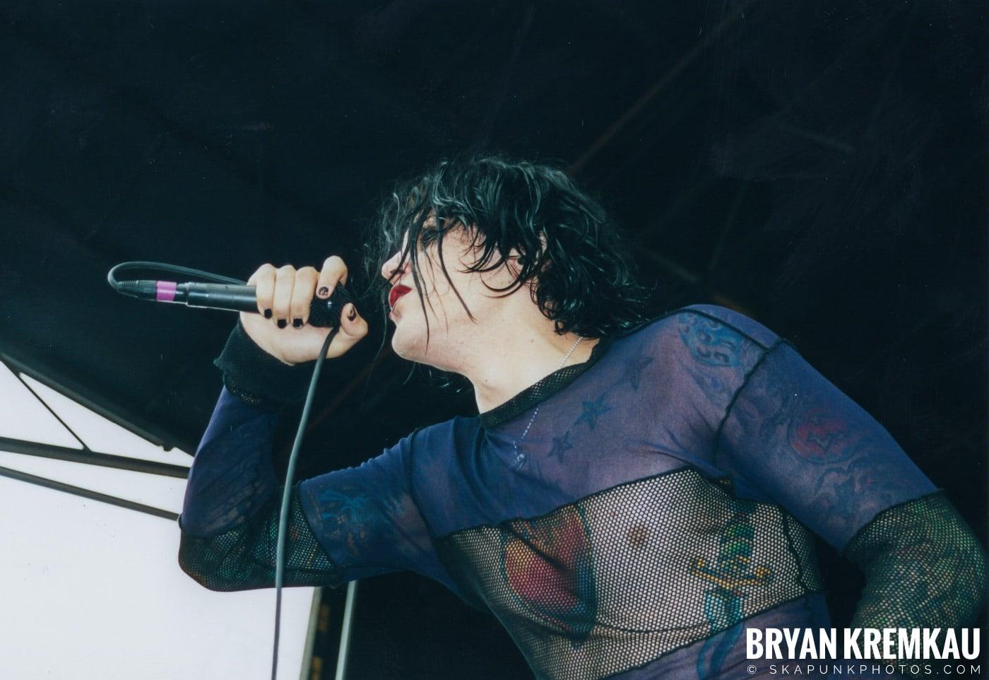 AFI @ Vans Warped Tour, Randall's Island, NYC - 8.4.01 (3)