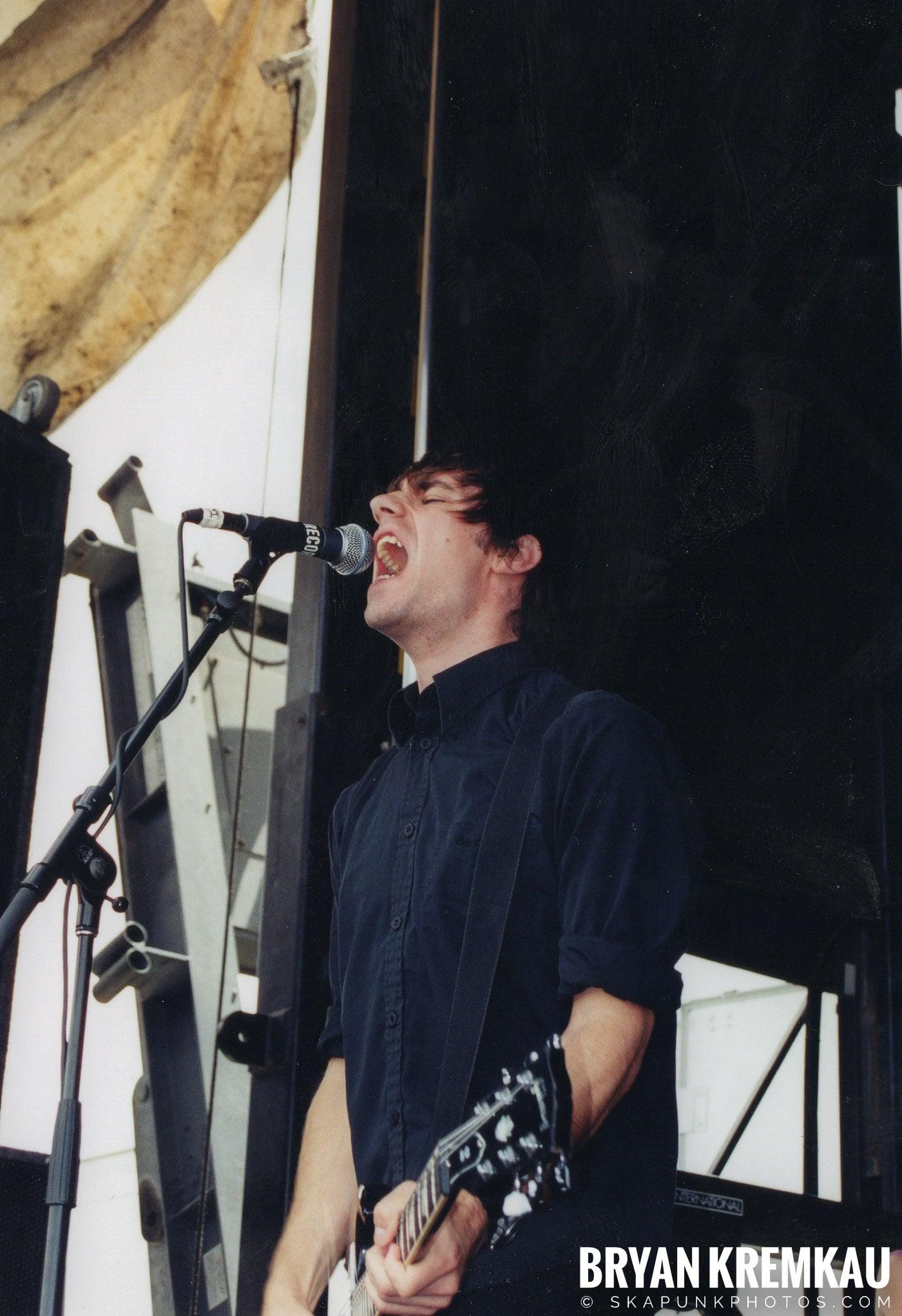 Anti-Flag @ Vans Warped Tour, Randall's Island, NYC - 8.7.04 (18)