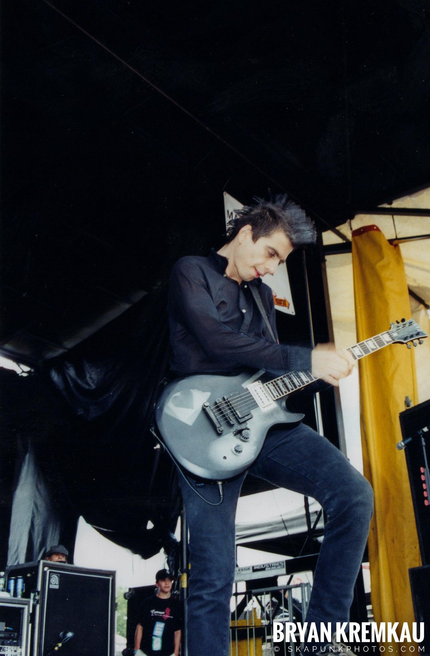 Anti-Flag @ Vans Warped Tour, Randall's Island, NYC - 8.7.04 (16)