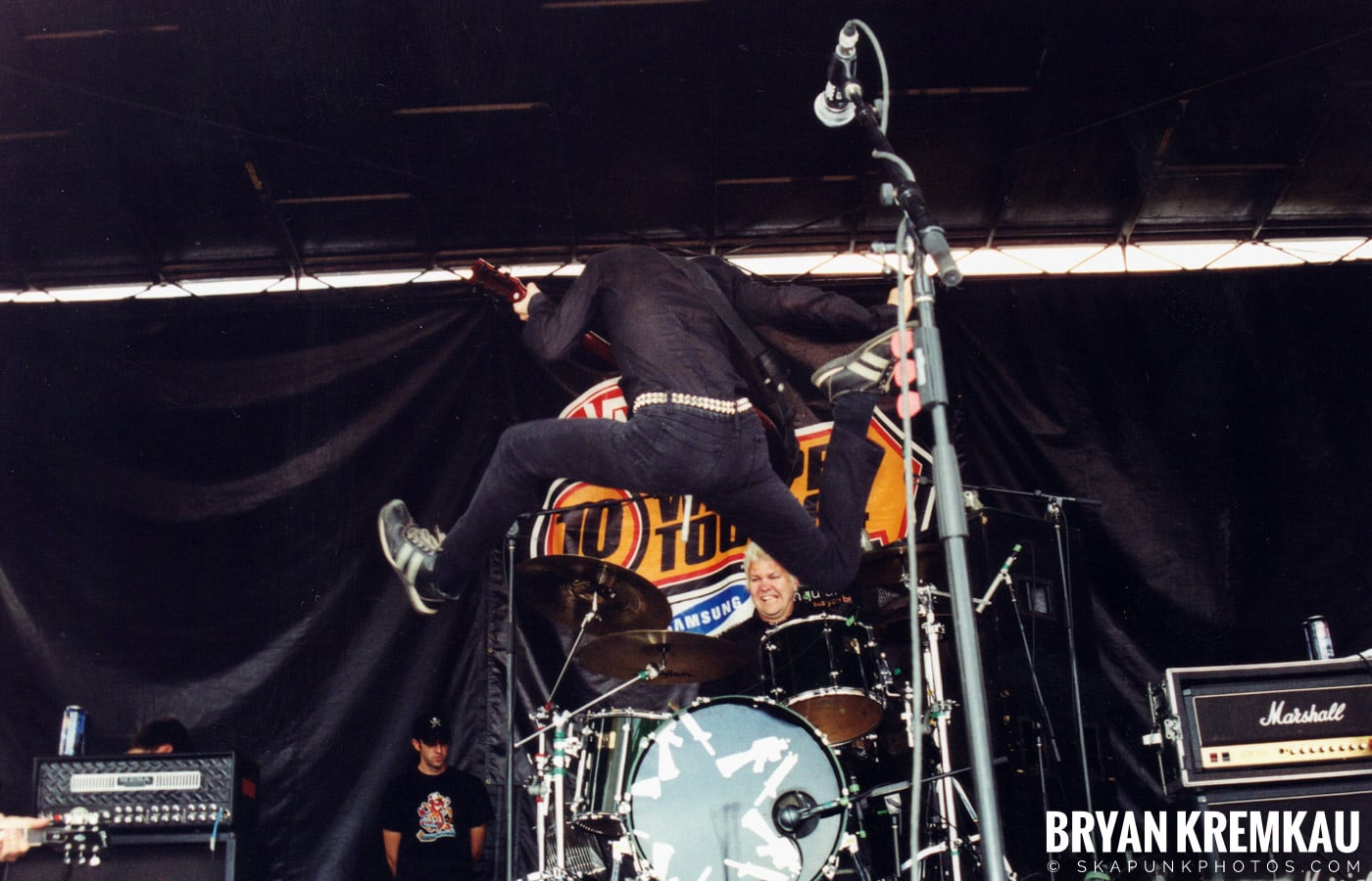Anti-Flag @ Vans Warped Tour, Randall's Island, NYC - 8.7.04 (14)