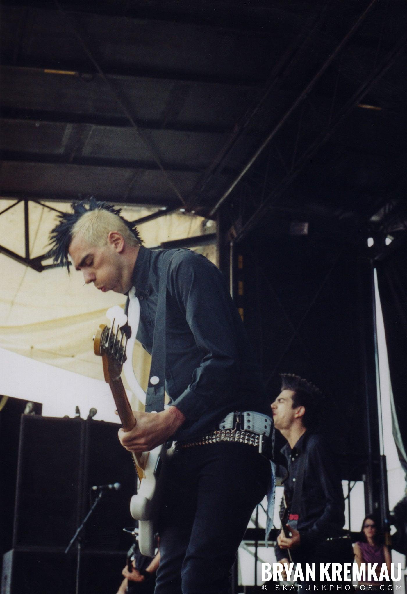 Anti-Flag @ Vans Warped Tour, Randall's Island, NYC - 8.7.04 (2)