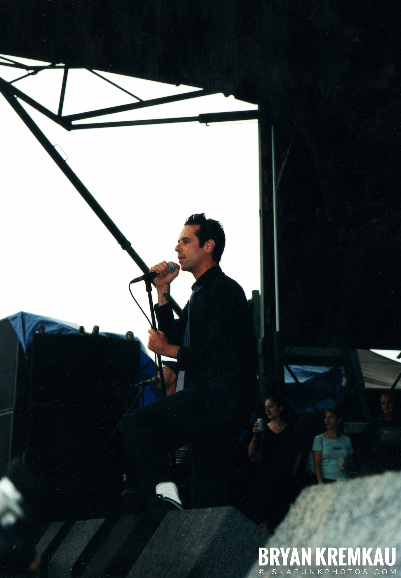 The Bouncing Souls @ Vans Warped Tour, Randall's Island, NYC - 8.4.01 (14)