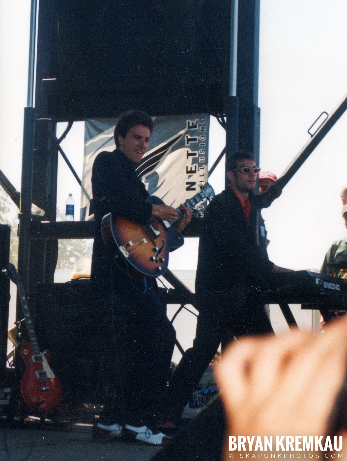 Cherry Poppin' Daddies @ Vans Warped Tour, Randall's Island, NYC - 8.1.98 (10)