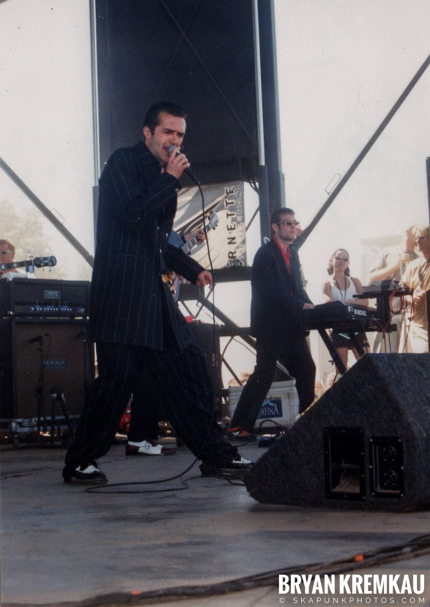 Cherry Poppin' Daddies @ Vans Warped Tour, Randall's Island, NYC - 8.1.98 (1)