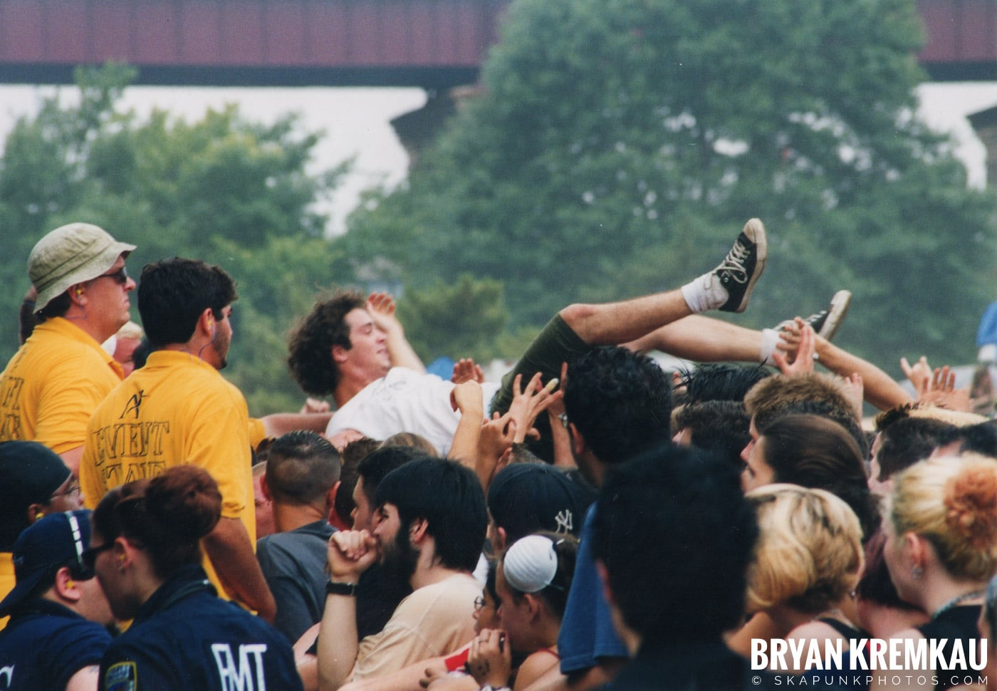 Crowd Shots @ Vans Warped Tour, Randall's Island, NYC - 8.4.01 (7)