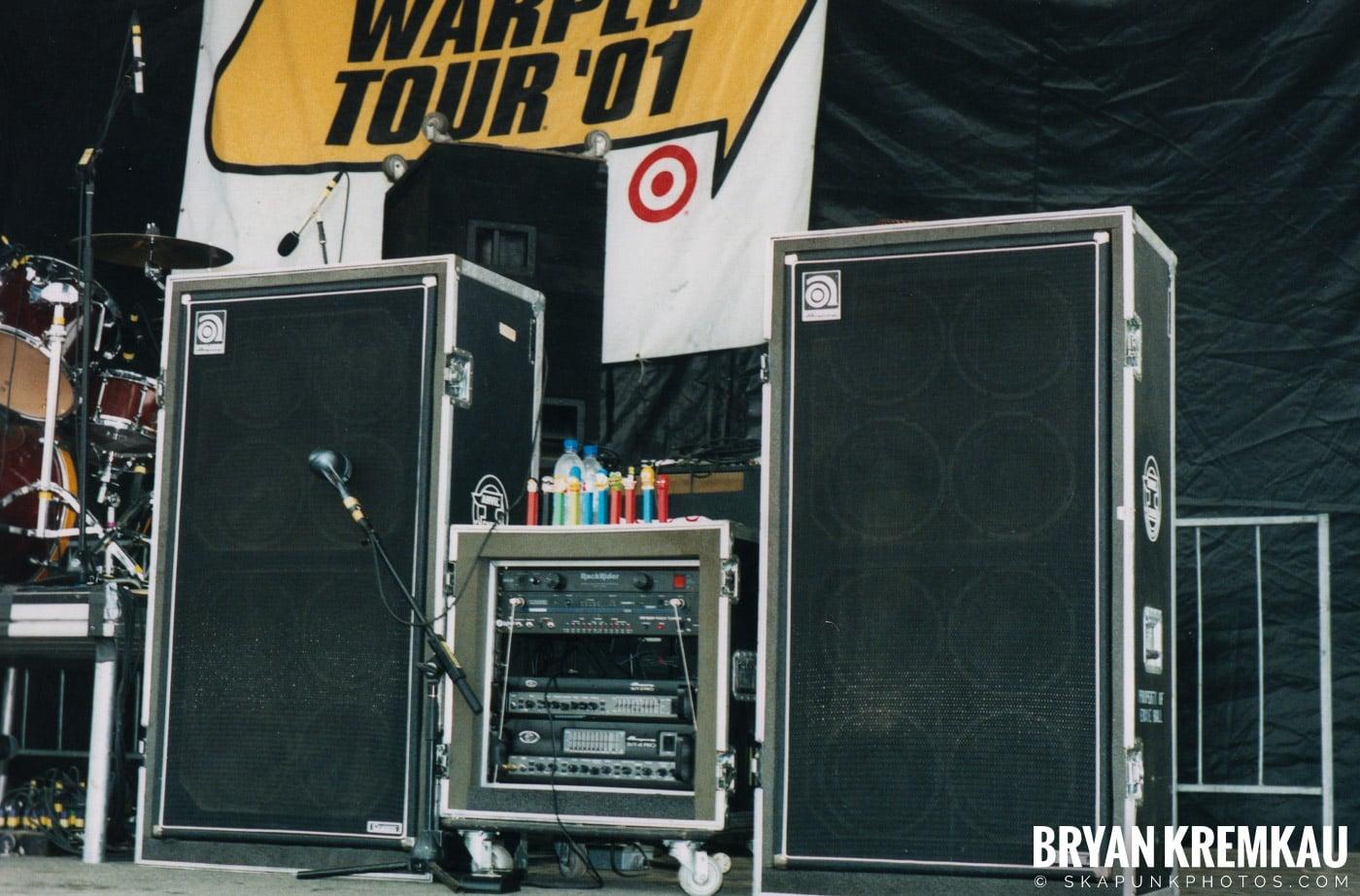 Crowd Shots @ Vans Warped Tour, Randall's Island, NYC - 8.4.01 (3)