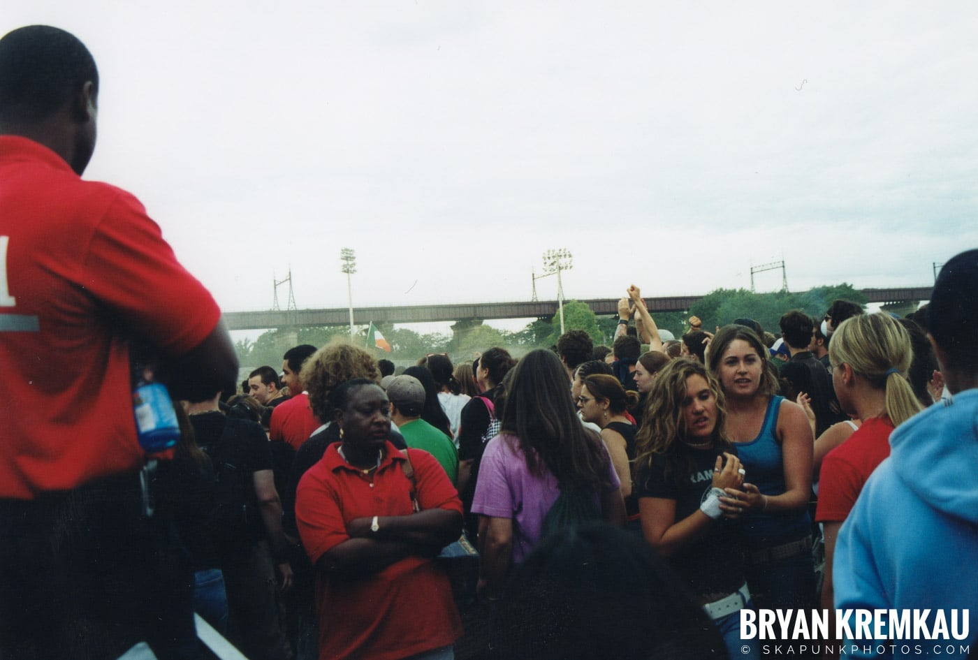 Crowd Shots @ Vans Warped Tour, Randall's Island, NYC - 8.7.04 (16)