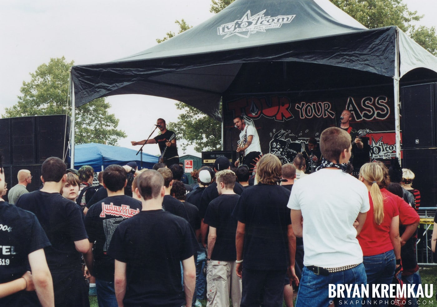 Crowd Shots @ Vans Warped Tour, Randall's Island, NYC - 8.7.04 (13)