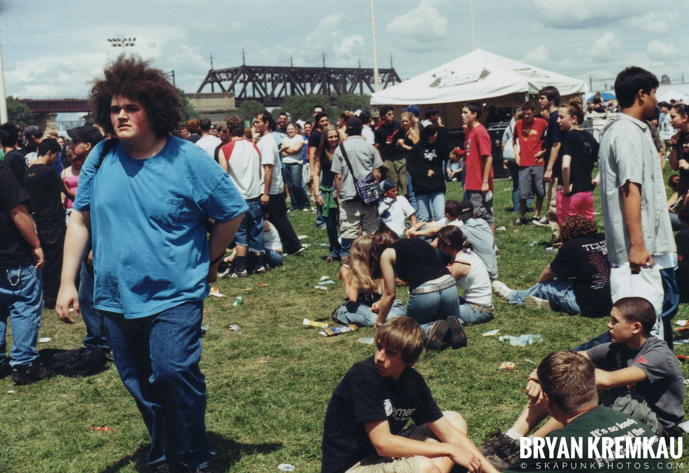 Crowd Shots @ Vans Warped Tour, Randall's Island, NYC - 8.7.04 (9)
