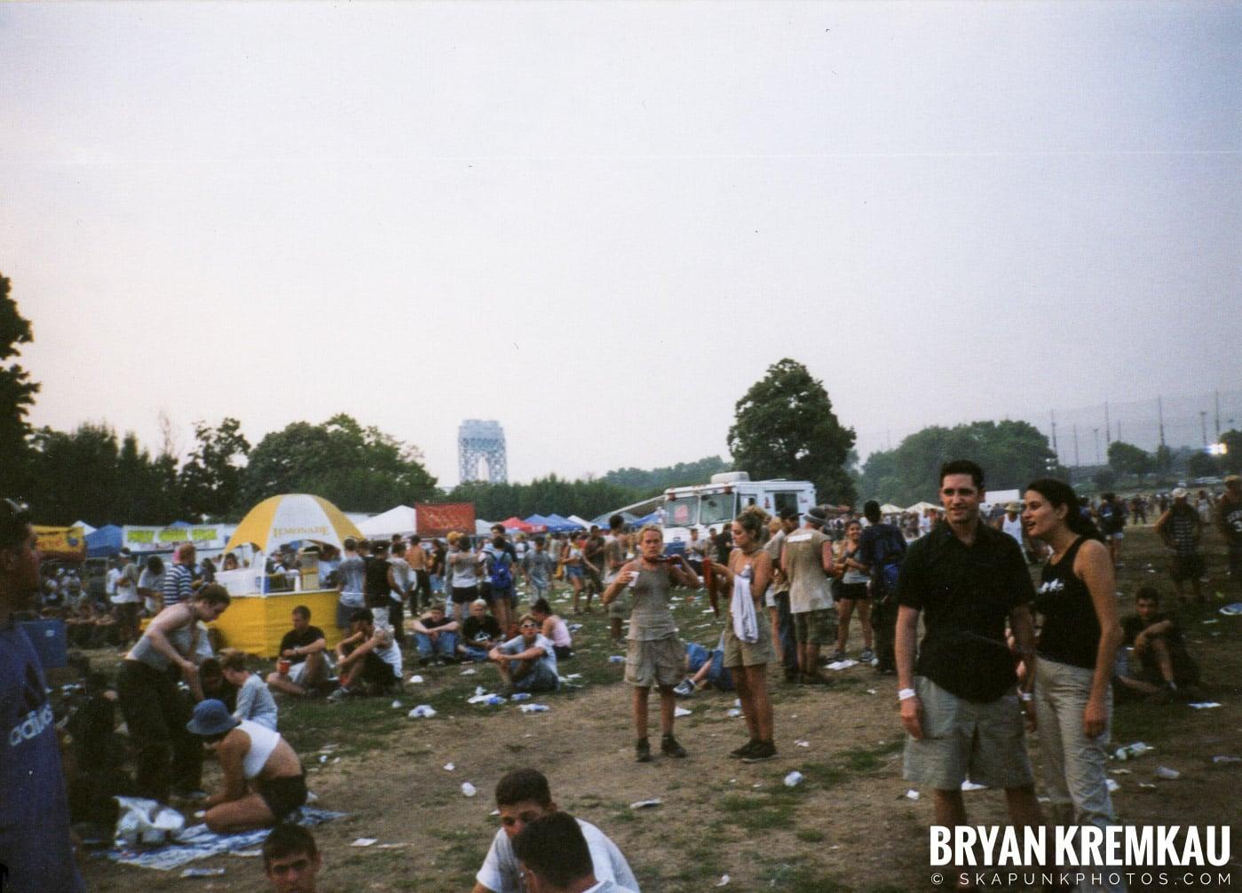 Crowd Shots @ Vans Warped Tour, Randall's Island, NYC - 7.16.99 (5)