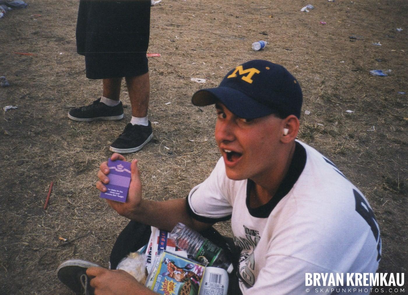 Crowd Shots @ Vans Warped Tour, Randall's Island, NYC - 7.16.99 (2)