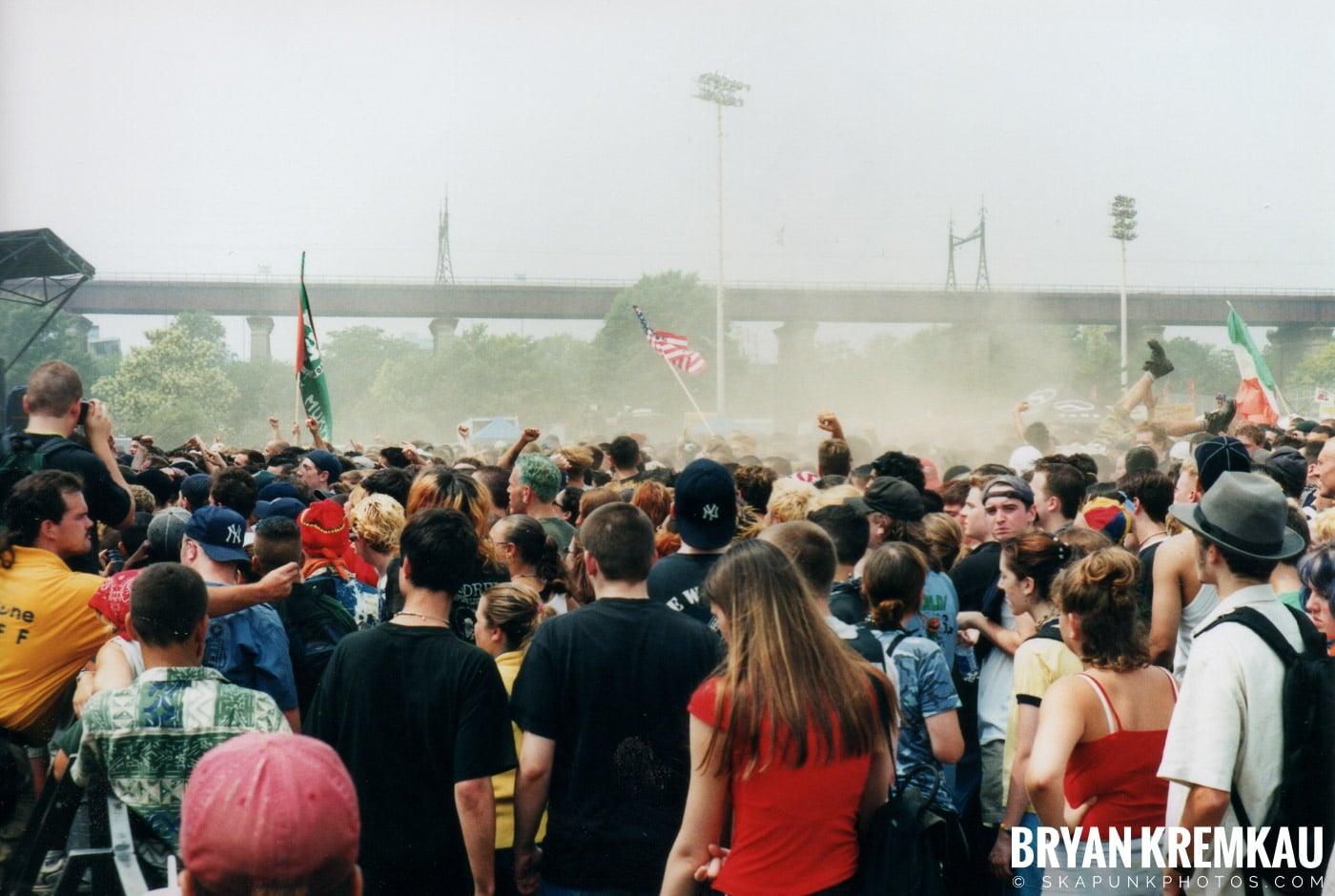 The Dropkick Murphys @ Vans Warped Tour, Randall's Island, NYC - 8.4.01 (13)