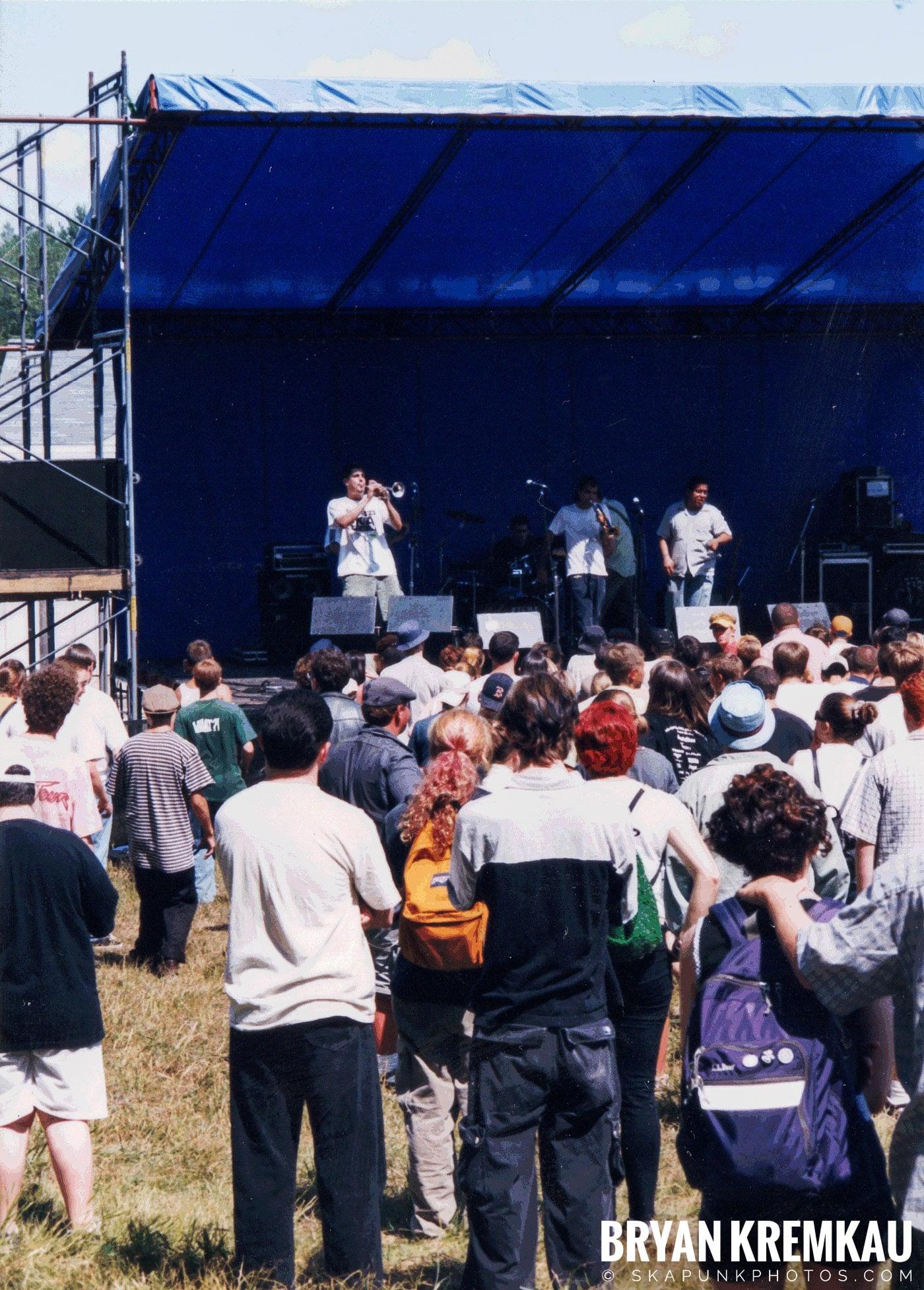 Edna's Goldfish @ New England Ska Fest 98, Westford, MA - 8.22.98 (2)