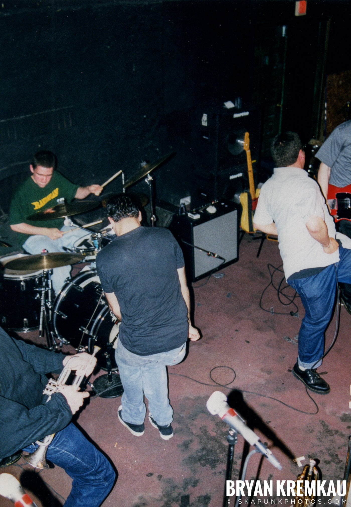 Edna's Goldfish @ Sea Sea's, Moosic, PA - 5.6.99 (6)