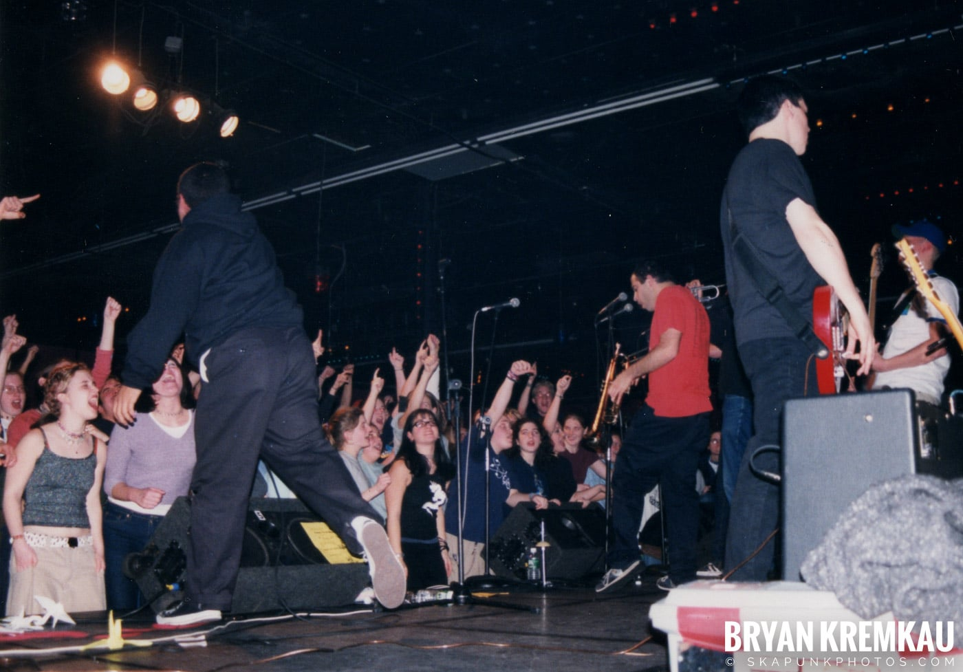 Edna's Goldfish @ Skater's World, Wayne, NJ - 7.29.99 (16)
