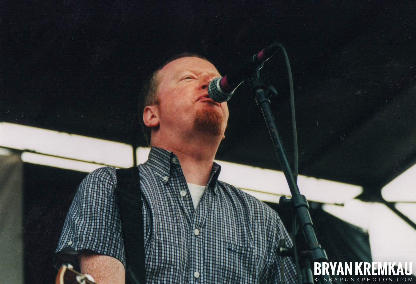 Flogging Molly @ Vans Warped Tour, Randall's Island, NYC - 8.4.01 (6)