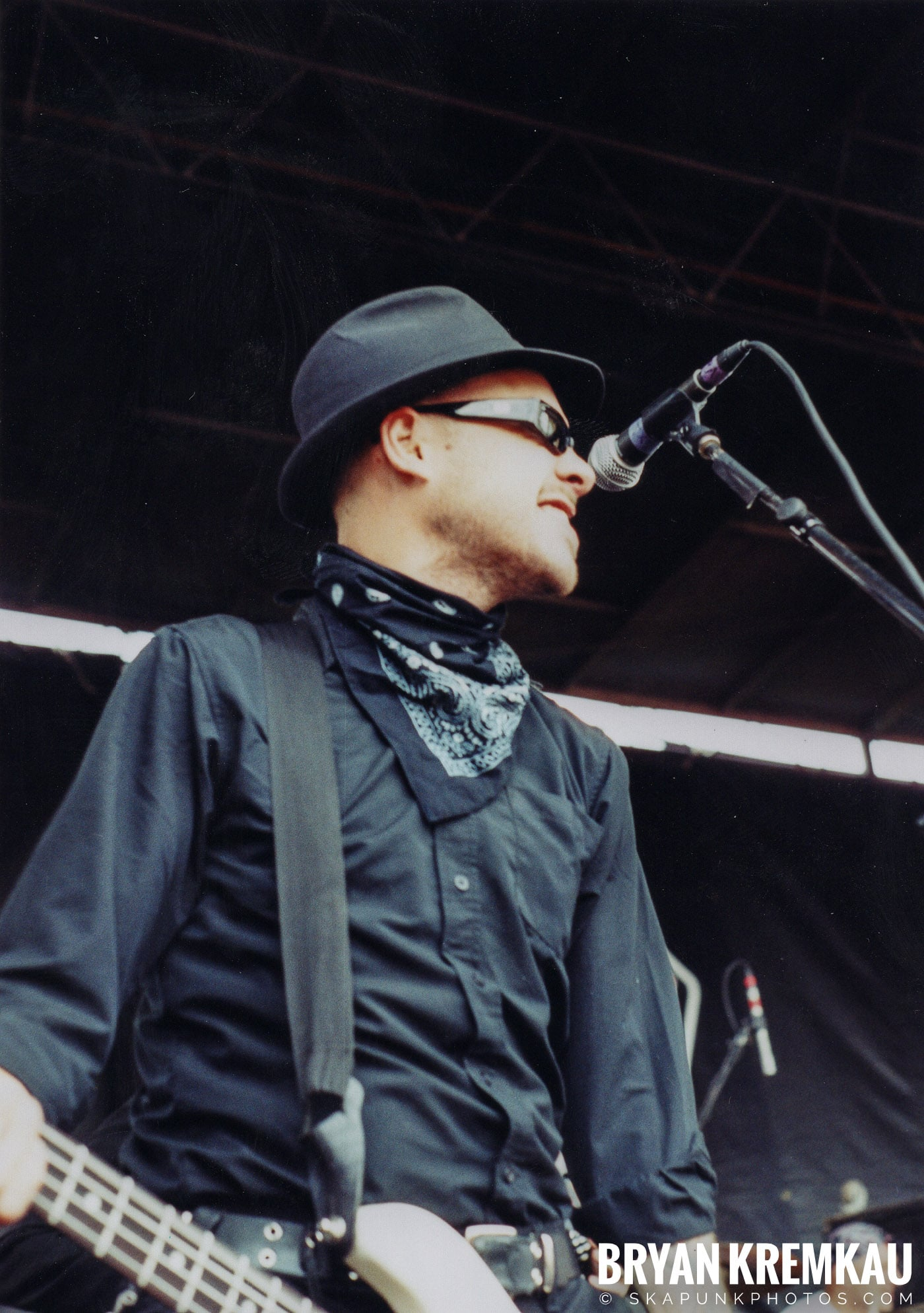Flogging Molly @ Vans Warped Tour, Randall's Island, NYC - 8.7.04 (13)
