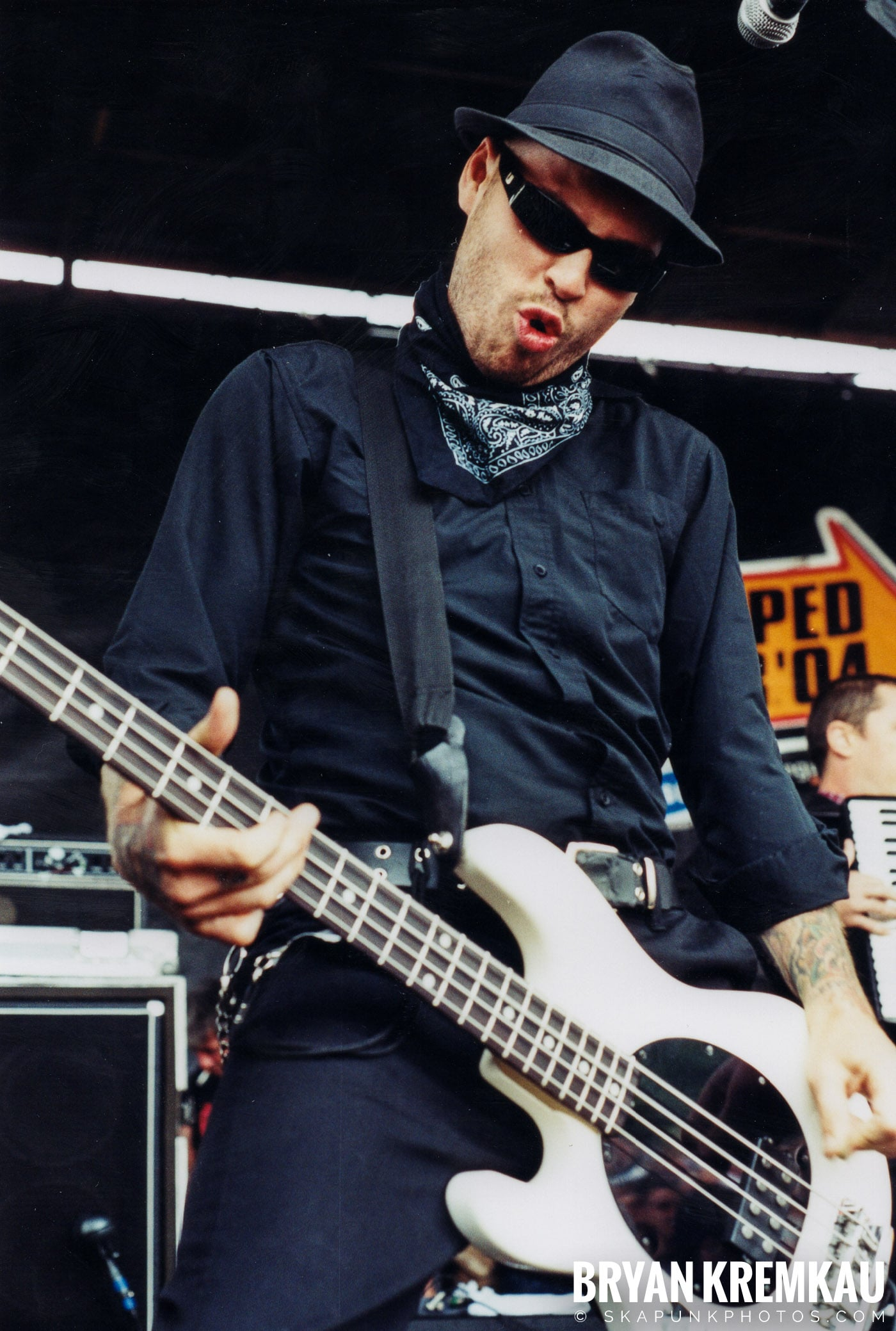 Flogging Molly @ Vans Warped Tour, Randall's Island, NYC - 8.7.04 (12)