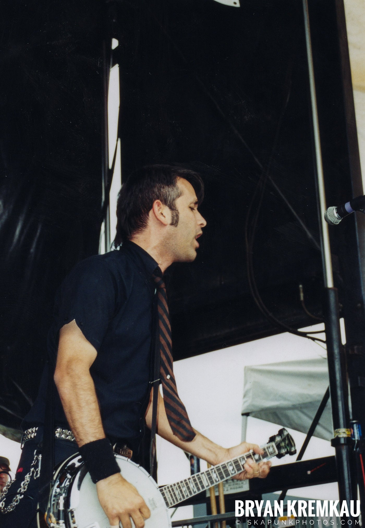 Flogging Molly @ Vans Warped Tour, Randall's Island, NYC - 8.7.04 (7)